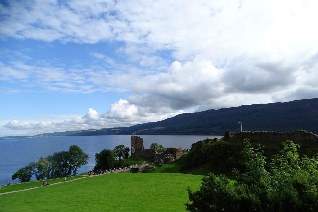 Mostro di Loch Ness in Scozia