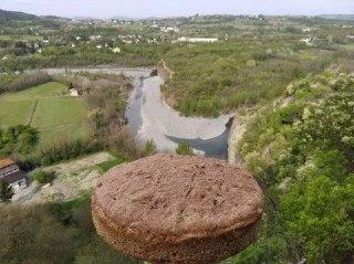 Questa immagine ha l'attributo alt vuoto; il nome del file è pane-rocca-di-lerma.jpg